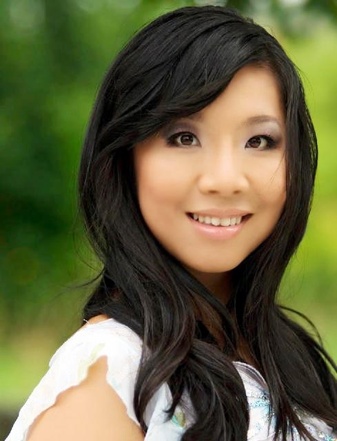 Scarlett Li Headshot